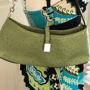 Shoulder purse.